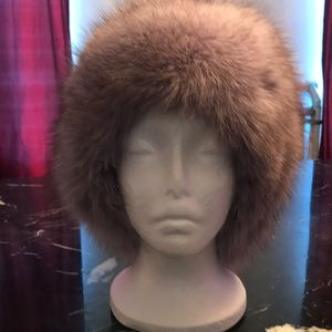 Other - Authentic fox fur hat for banks do not buy